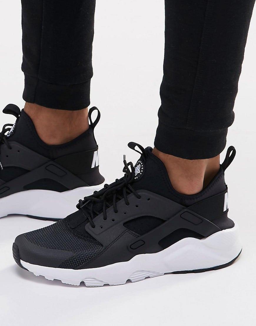Huarache Nike  je vous invite à découvrir cette chaussure unique