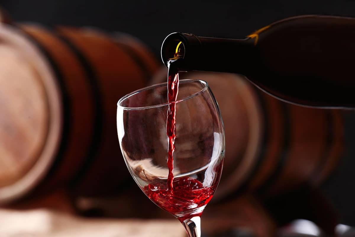 Vins de Bordeaux et de Bourgogne : je vous explique comment faire la différence